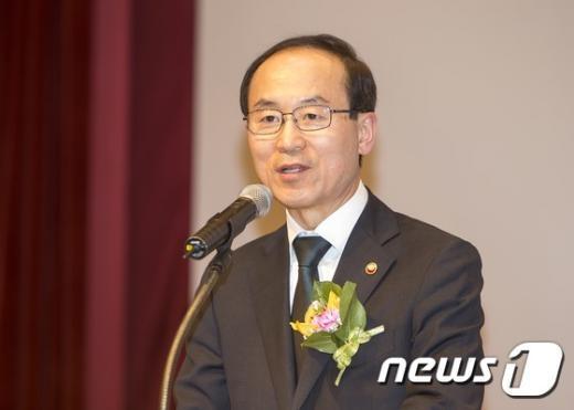 [사진]축사하는 윤성규 환경부 장관