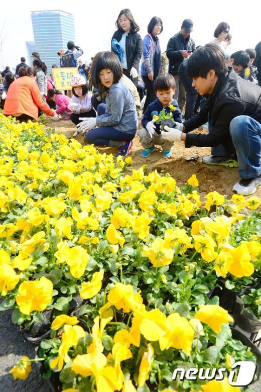 [사진]'꽃을 심어요'