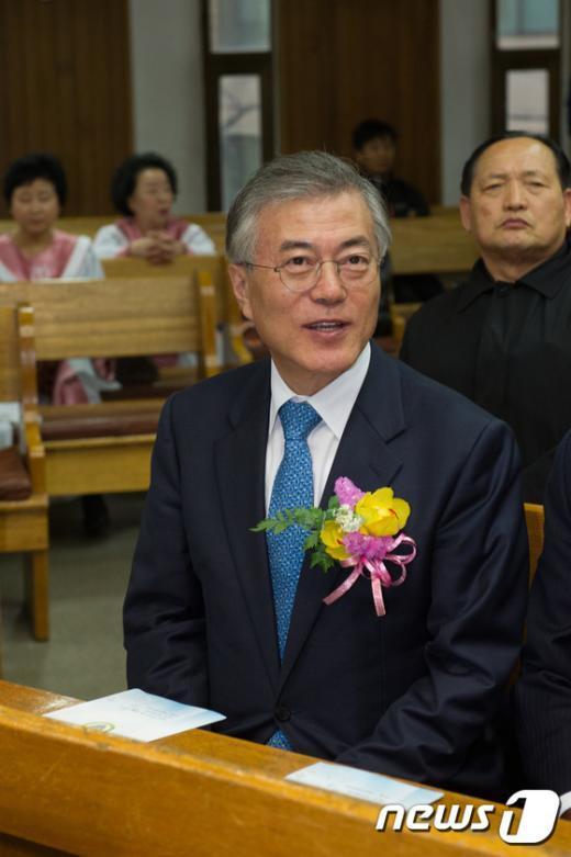 [사진]한국선교사 내한 130주년 기념예배에 참석한 문재인 대표