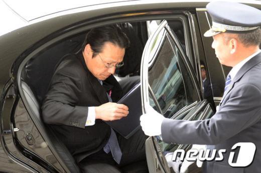 [사진]가나스키 켄지 日 총괄공사, 외교부 초치