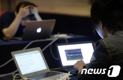 [사진]'해킹방어 도전'