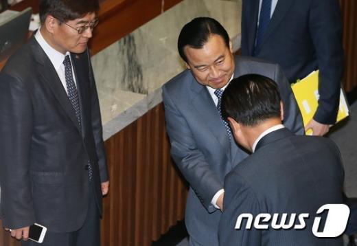 [사진]'이완구 청문회' 마친 총리