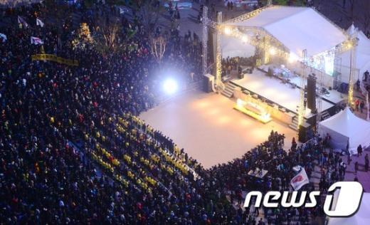 [사진]1주기 추모제 열린 서울광장