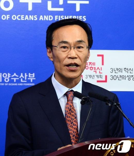 [사진]해수부, 세월호 선체처리 기술검토결과 심의요청 브리핑