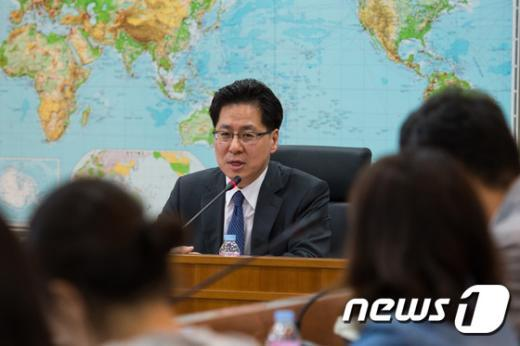 [사진]모두발언하는 이명렬 재외동포영사국장 '중동지역 안전은...'