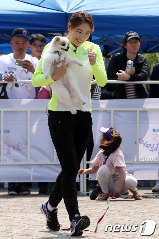 [사진]반려동물 미니운동회 참가한 신수지