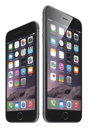 '아이폰6'와 '아이폰6플러스'. 차기 아이폰은 전작과 같은 크기인 4.7인치 5.5인치 모델로 나올 것으로 추정되고 있다./사진=애플