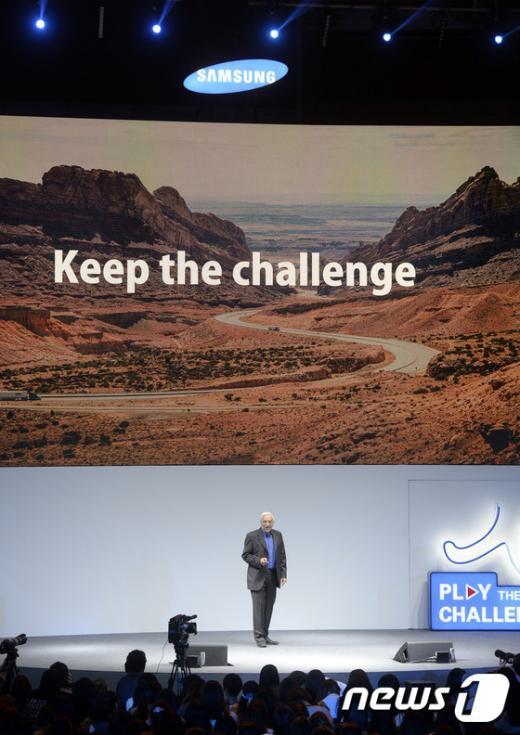 [사진]이갈 에를리히 회장 'Keep the Challenge'