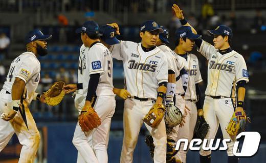 [사진]창단 첫 8연승 NC 다이노스