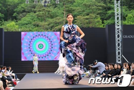 [사진]'성신여대 의류학과 졸업 패션쇼'