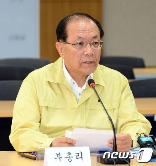 """[사진]황우여 부총리 """"교육계 메르스 확산 막아야"""""""