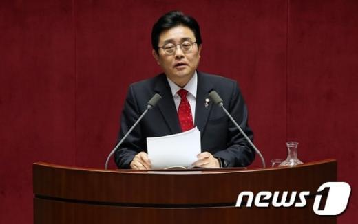 [사진]긴급 현안질문하는 전병헌 의원