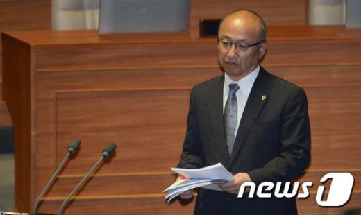 [사진]문형표 장관 '메르스 대책은?'