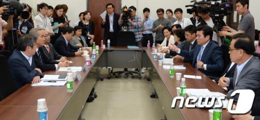 [사진]새누리당, 메르스비상대책특위 4+4 여야합의 실천회의