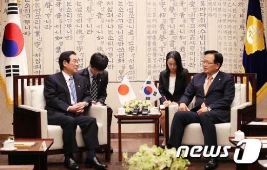 [사진]정의화 의장, 누카가 일한의원연맹 회장 접견