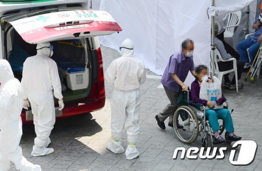 [사진]강동경희대병원, 메르스 환자 노출 투석 환자 입원조치
