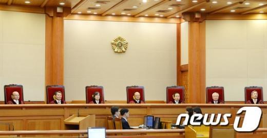 """""""이동통신 3사 주민등록번호 수집·이용은 '합헌'"""""""