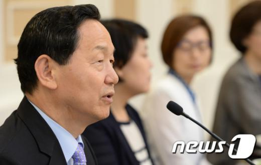 [사진]초선의원들 만난 김상곤 혁신위원장