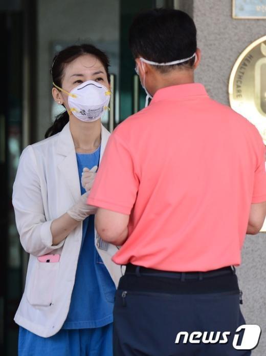 [사진]분주한 국립중앙의료원