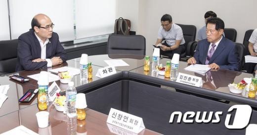 [사진]정연만 차관, 재활용 단체 대표자 간담회 참석
