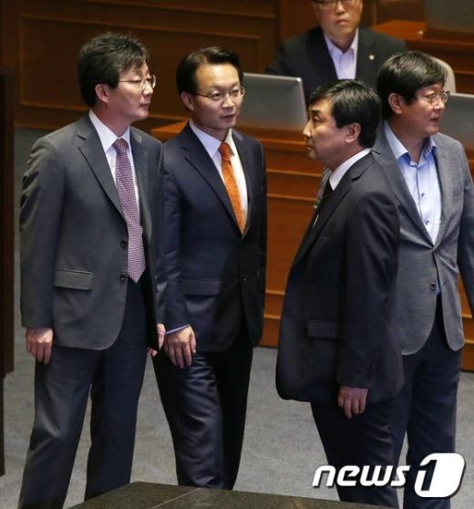 [사진]국회법 재의 '신경전'