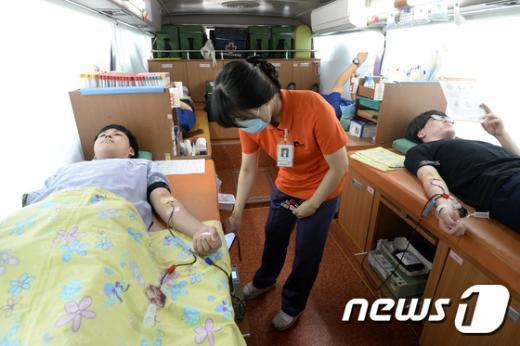 [사진]'메르스 위기 극복하기 위해 헌혈해요'