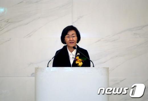 [사진]인사말하는 신연희 강남구청장