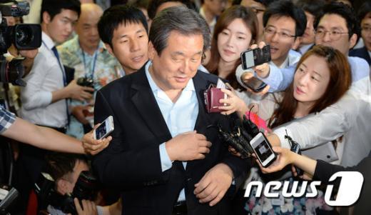 [사진]김무성 대표 '묵묵부답'