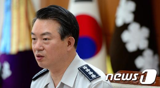[사진]모두발언하는 강신명 경찰청장