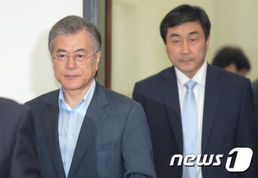[사진]최고위 참석하는 새정치 지도부