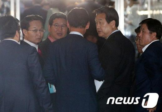 [사진]의원총회 마친 김무성