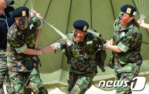 [사진]탈북 청소년들의 실전같은 병영체험