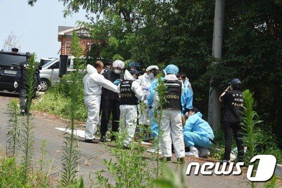 경기 수원시에서 20대 여성이 실종 하루 만에 숨진 채 발견된 가운데 사망 원인은 목졸림으로 확인됐다. (중부일보 제공) 2015.7.15/뉴스1 © News1
