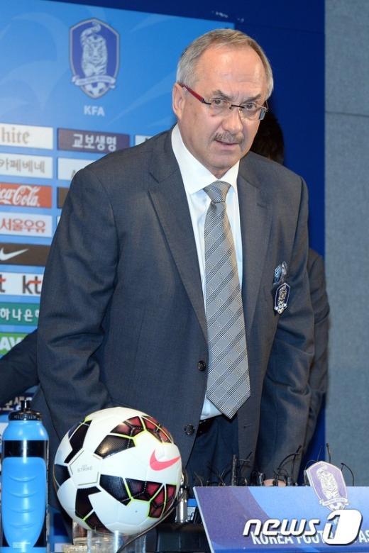 [사진]슈틸리케 '동아시안컵 23인 명단 발표'