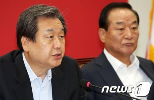 """김무성 """"국정원 비밀 공개는 '조직 해체' 의미""""(종합)"""