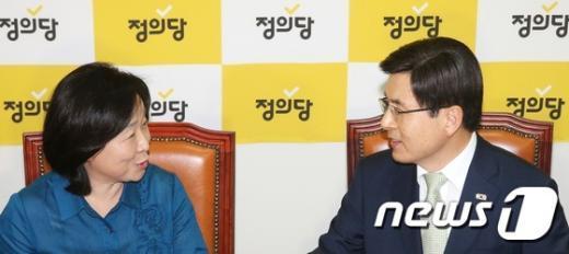 [사진]황교안 총리, 정의당 심상정 대표 내방