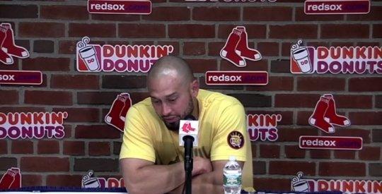 에인절스로 트레이드된 뒤, 빅토리노가 보스턴에서의 마지막 기자회견 자리에서 눈물을 쏟아냈다. /사진=MLB.com 화면 캡처<br /> <br />