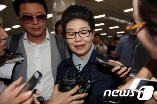 [사진]박근령 '신사참배 두둔 발언 했나?'