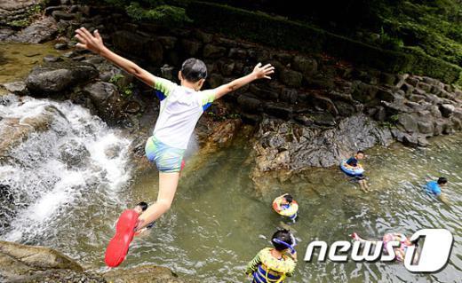 [사진]'시원하게 풍덩'