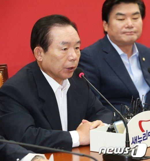 [사진]이인제, '노동계 노사정위 참여' 촉구