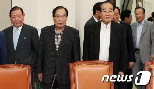 [사진]국회 찾은 새정치민주연합 원로들