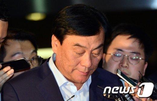 [사진]무거운 표정의 박기춘의원