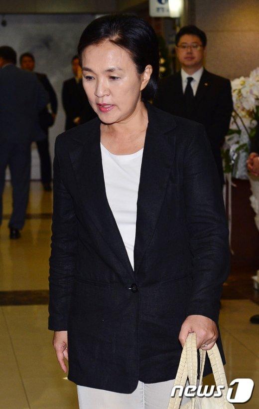[사진]故 이맹희 CJ명예회장 빈소 찾은 강금실 전 법무부장관