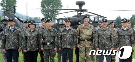 [사진]국회 국방위원회 미2사단 방문