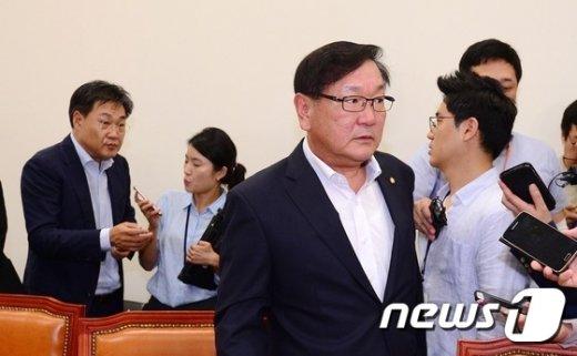 [사진]정개특위 공직선거법심사소위원회 회의 마친 여야 간사