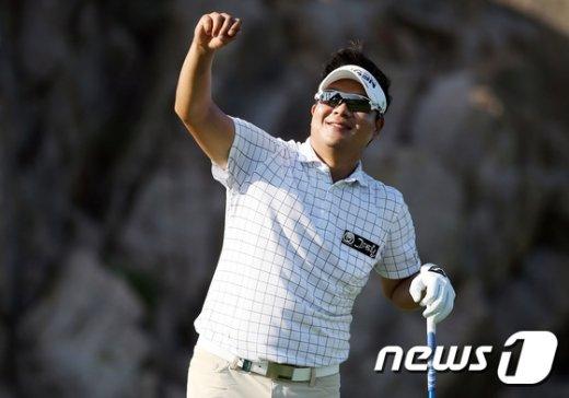 [사진]김성윤 '풍향 확인은 꼼꼼하게'