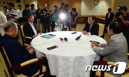 [사진]노사정 대표자 회의 '논의'