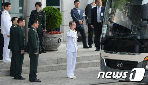 [사진]합참, 국방위원 모시기