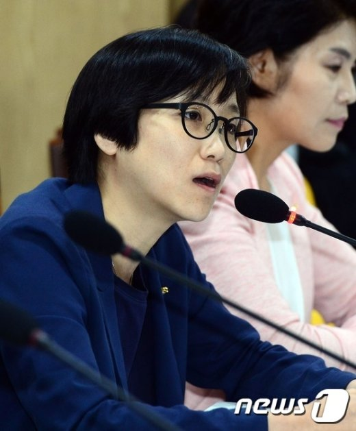 [사진]의사발언하는 장하나 의원