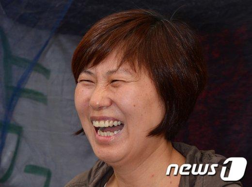 [사진]재능교육 해고노동자 유명자 씨 '환한 미소'